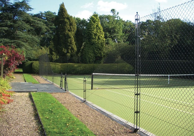 Elegant tennis court fencing from EnTC - Elliott Tennis Courts